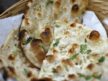 Persis Plain Naan Butter Naan Roti Garlic Naan Chilly Butter Naan Onion Kulcha Chilly Garlic Naan Chicken Keema Naan